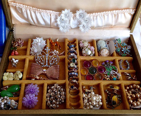 From hobby to career – becoming a vintage seller – A guest post by Diary of a Vintage Girl