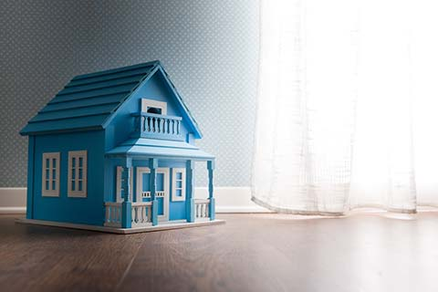 Dealing with downsizing: leaving the family home