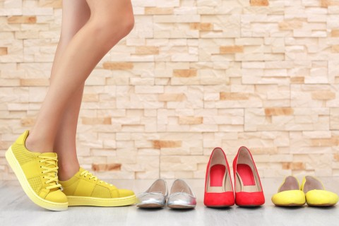 8 manieren om je groeiende schoenencollectie te organiseren